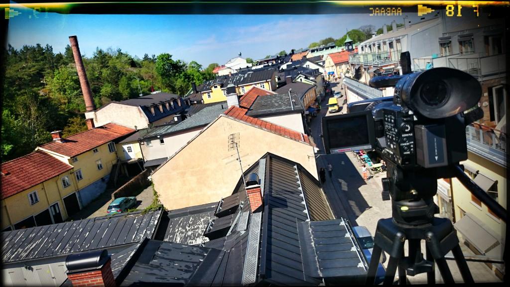 SIG:s objekt är de gula husen kring innergården framför skorstenen till vänster i bild.